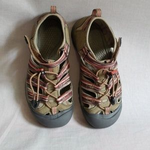 KEEN Sandals Size 5 Waterproof Multi-color